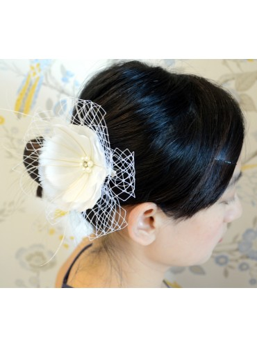 White Goose Feather Bridal Wedding Fascinator Headpiece Hair Accessory [IRISF014]